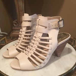 Vince camuto heels size 6.5 tan
